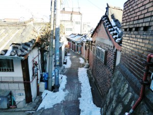 Alley in Chebu-dong-Robert J. Fouser