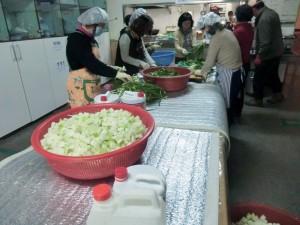 Making kimchi at church in Gyonam-dong, November 2012